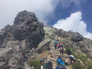 焼岳山頂へ最後の登り