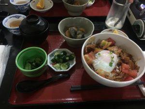 飛騨ナットク豚トマト丼 - お食事処 宴蔵